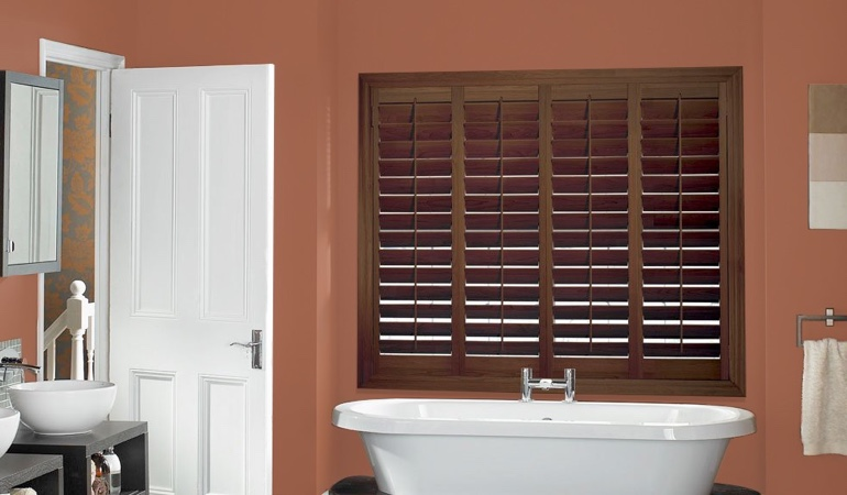 Plantation window treatments in a bathroom