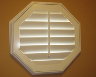 Las Vegas octagon window shutter