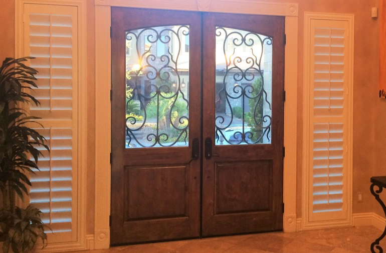 Sidelight window shutters in Las Vegas home